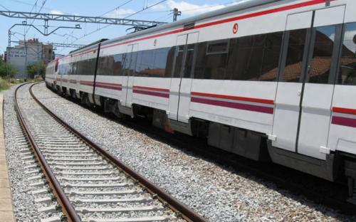 Tren parado en estacion - 5 4